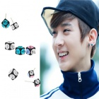 cubic block earrings TEEN TOP of Chonji has worn