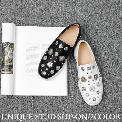 【RANG SHE】 UNIQUE STUD SLIP-ON(2color)