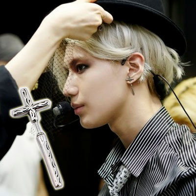 SHINEE Temin solo debut PV fashion item | Silver color cross earrings (3type)