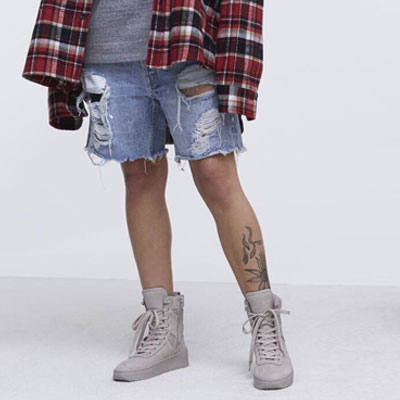 LIGHT BLUE DESTROYED SHORT DENIM JEAN