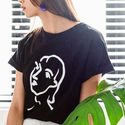 【FEMININE : BLACK LABEL】THE GIRL ART WORK T-SHIRT(BLACK/WHITE)