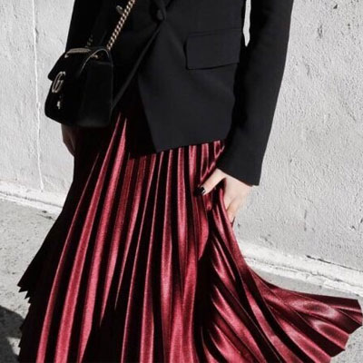 【FEMININE : BLACK LABEL】WINE SILKY ACCORDION SKIRT