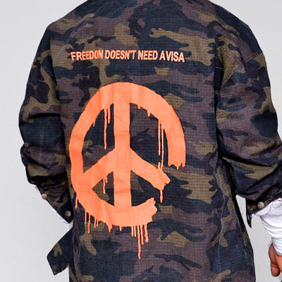 [unisex]MELTIED PEACE LOGO CAMO JACKET