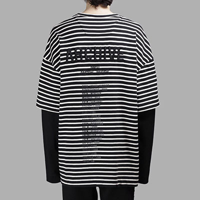 [UNISEX] BACK EMBROIDERY LOGO LAYERD STRIPE T-SHIRTS