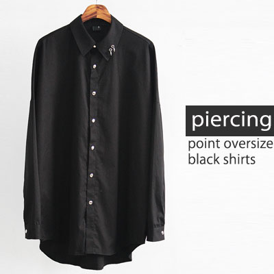 [UNISEX] PIERCING OVERSIZE BLACK SHIRTS