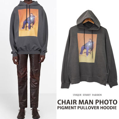 [UNISEX] CHAIR MAN PHOTO PIGMENT PULLOVER HOODIE