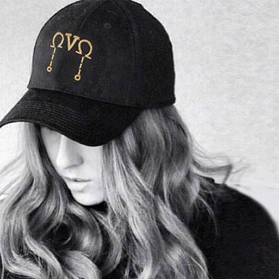 GOLD EMBROIDERED POINT BLACK BALL CAP