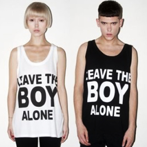 BOY LONDON mail order ★ K-POP STAR favorite LEAVE THE BOY ALONE short-sleeved T- shirt