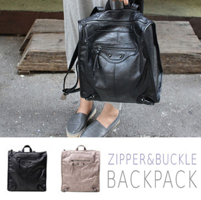 [UNISEX] ZIPPER&BUCKLE DETAIL SQUARE BACKPACK(2COLOR)