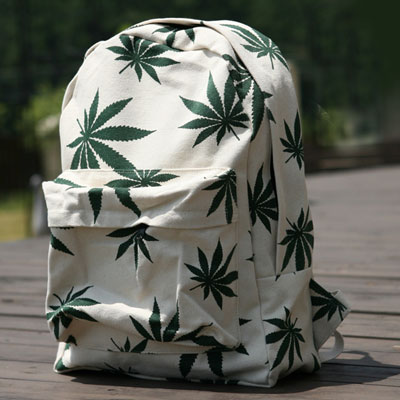 GREEN LEAVES PRINT BACK PACK