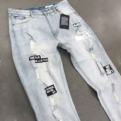 BLACK LETTERING PATCH DENIM PANTS(S/M/L)
