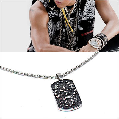 BIGBANG G-DRAGON st  Surgical steel material logo engraved pendant necklace