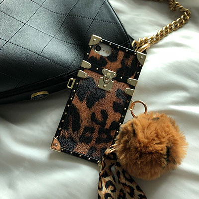 LEOPARD PATTERN PHONE CASE(2color)