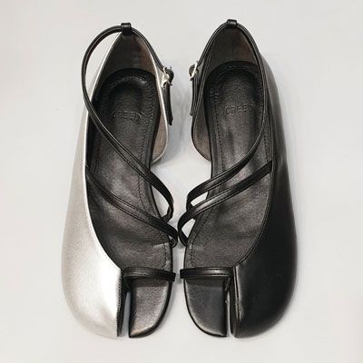 [22.5 ~ 25.0cm] Tabi unbalance unique flat shoes (2color)