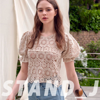 [STAND_J] PUNCHING LACE BLOUSE (2color)